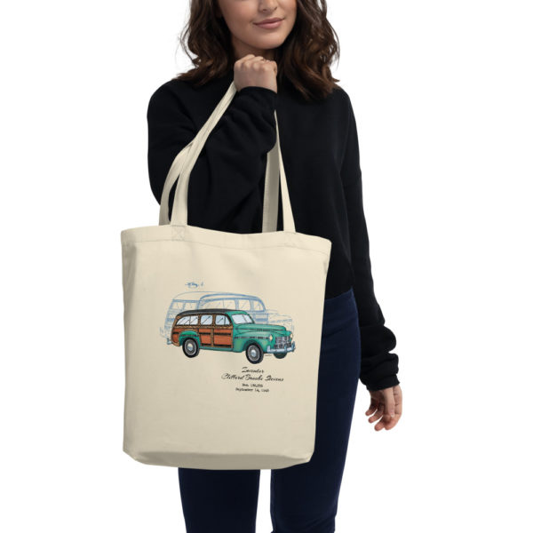 Woody '43 Tote Bag in action